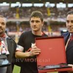 Homenaje del Club y de la Peña Piti al capitán por sus 200 partidos