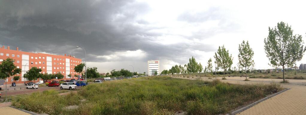 Llegada de los nubarrones sobre el Pau