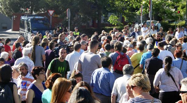 17J - 1ª Concentración en el Federica Montseny y detenciones de vecin@s