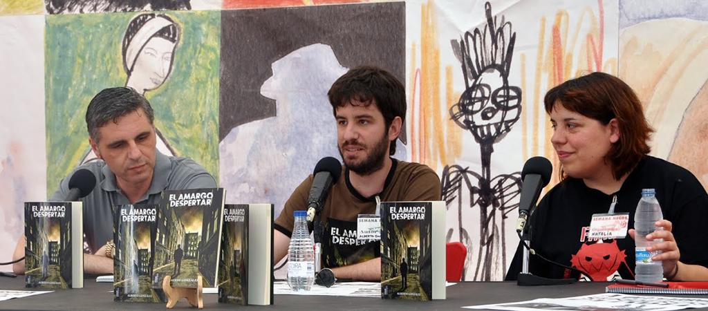 Alberto en su presentación en la Semana negra de Gijon