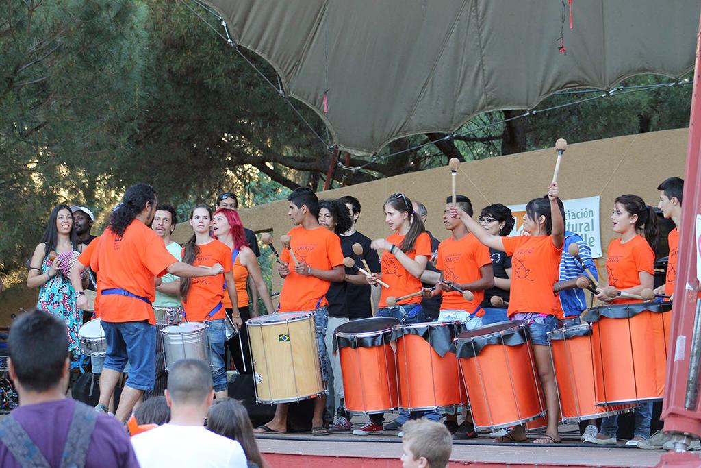 Uno de los concierto de la Escuela de Samba RaKaTui de Vallecas