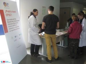 Mesa informativa por el Día del EPOC en el Infanta Leonor