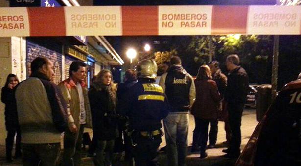 Desalojan dos edificios de la calle Villalobos por riesgo de derrumbe