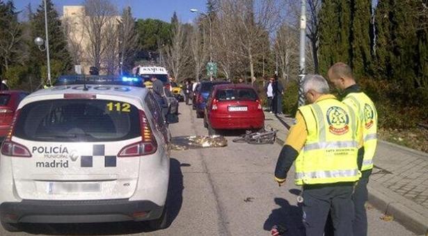 Muere en un accidente de tráfico un ciclista en la calle Arboleda de la UPM en Vallecas