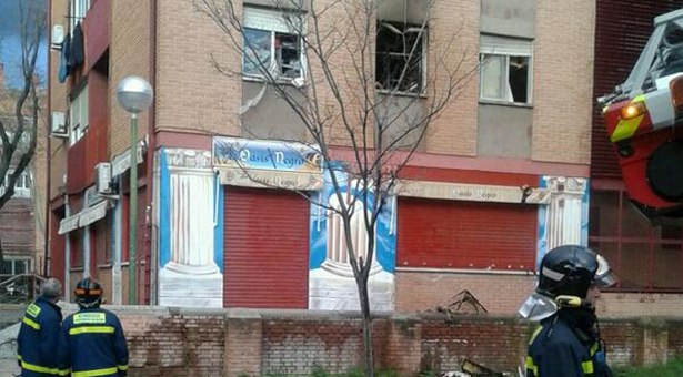 Fallece una mujer al incendiarse su vivienda en Puente de Vallecas