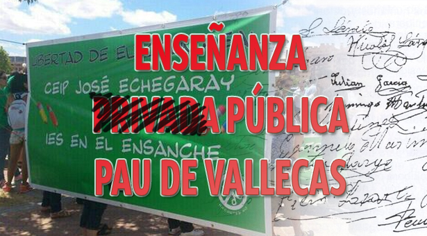 Entrega de firmas en la dirección de área territorial por los vecinos del Ensanche