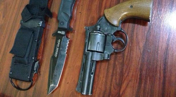 Detenido un hombre tras apuntar con un revólver a varias personas en Vallecas