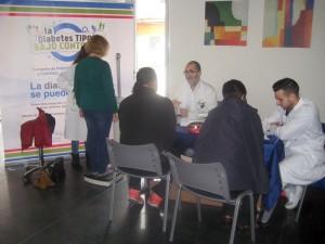 Mesa informativa de la Asociación de Diabéticos de Madrid