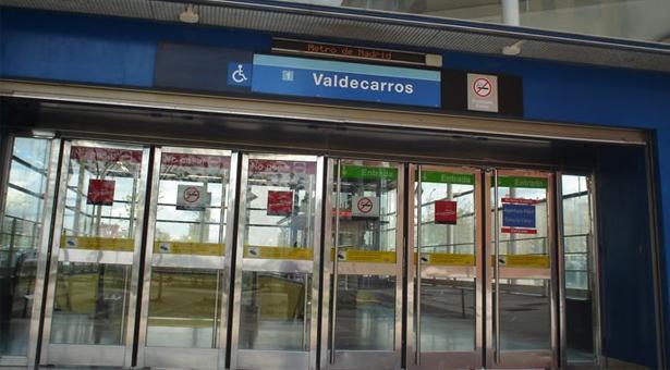 Un joven cae a las vía del metro en la estación de Valdecarros y pierde parte de una extremidad