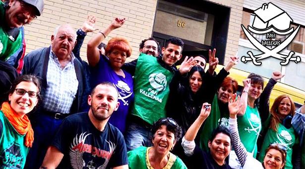 Un grupo de vecinos recuperan un nuevo inmueble en Vallecas para familias desahuciadas