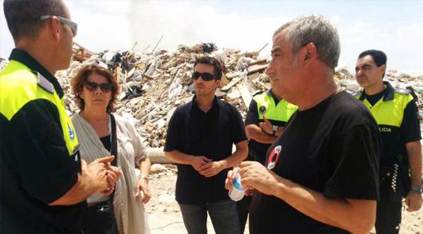 Los concejales Sabanés, Pérez y Tadeo en el vertedero ilegal