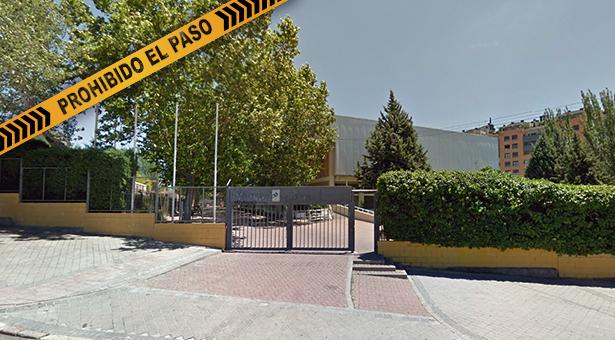 Clausurada la piscina cubierta del polideportivo de Palomeras por riesgo de derrumbe