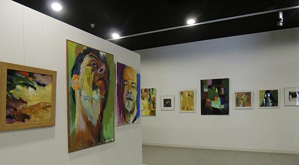 Exposición 'Color y Materia' de Juan Manuel Moretón en Entrevías