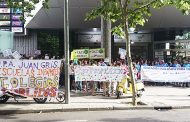 250 familias de Villa de Vallecas se movilizan en contra de la masificación de los colegios