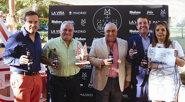 El restaurante Cruz Blanca Vallecas galardonado con el premio a 'La mejor terraza de Madrid 2017'