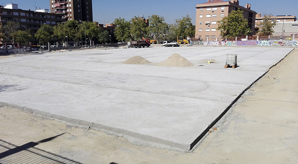 Obras del nuevo 'Espacio Multiusos de Vallecas' y acondicionamiento de aceras en la Albufera