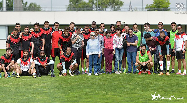 La Fundación Rayo Vallecano firma un convenio de colaboración con la Federación Autismo Madrid