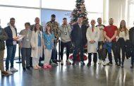 El Rayo Vallecano visita a los niños ingresados en el Hospital Infanta Leonor
