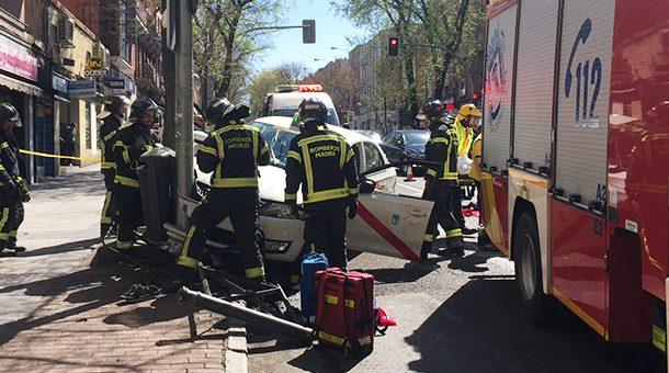 Aparatoso accidente en la Avenida de la Albufera